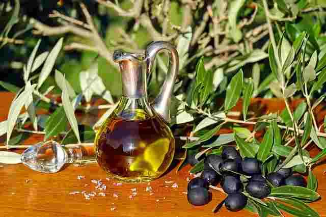 olive-oil-1596639